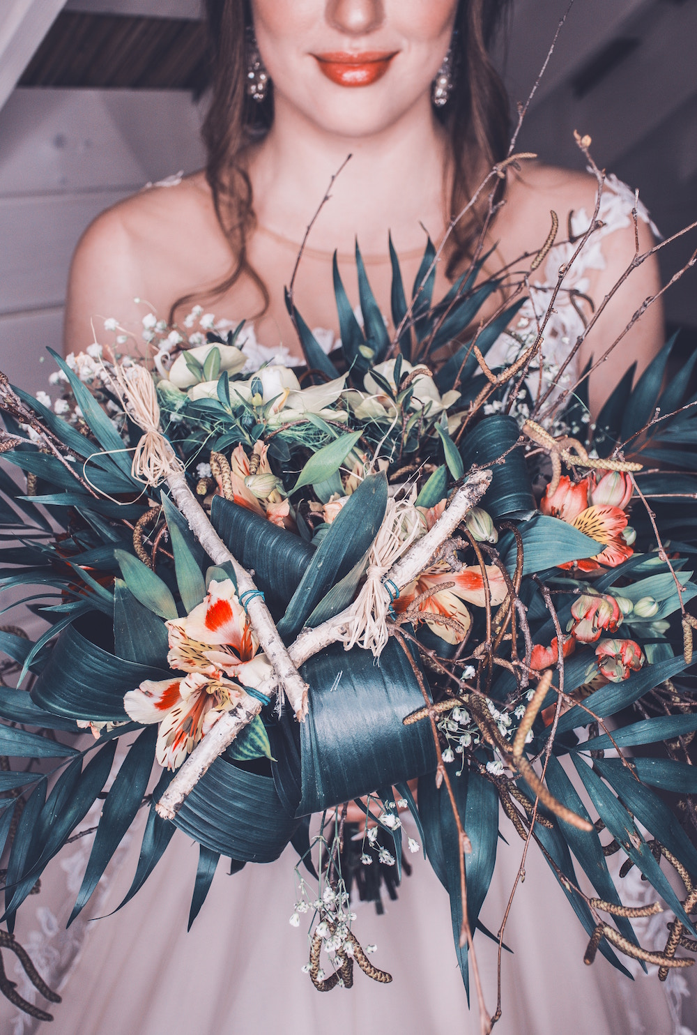 green foliage for your winter wedding theme