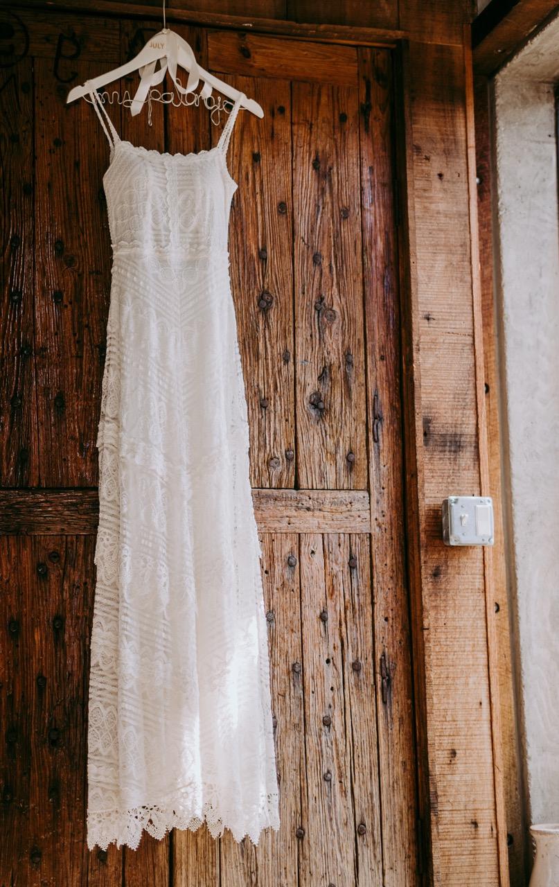 wedding dress consultant
