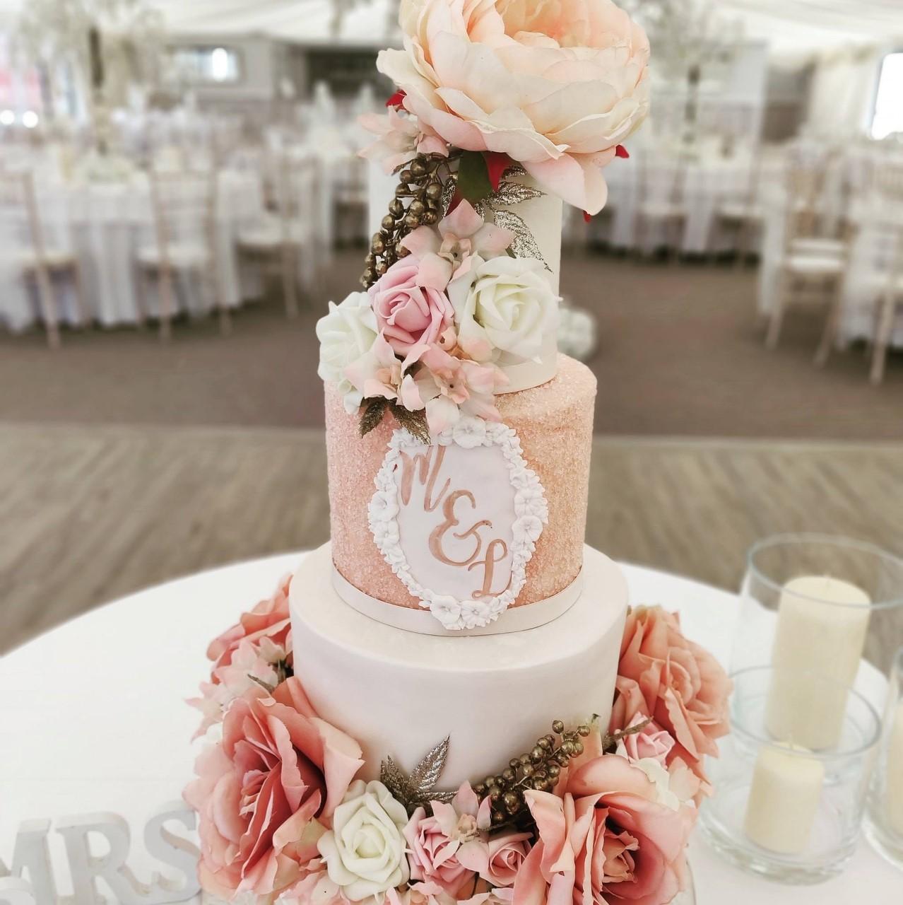 Kamaara Video Production - Wedding Cakes