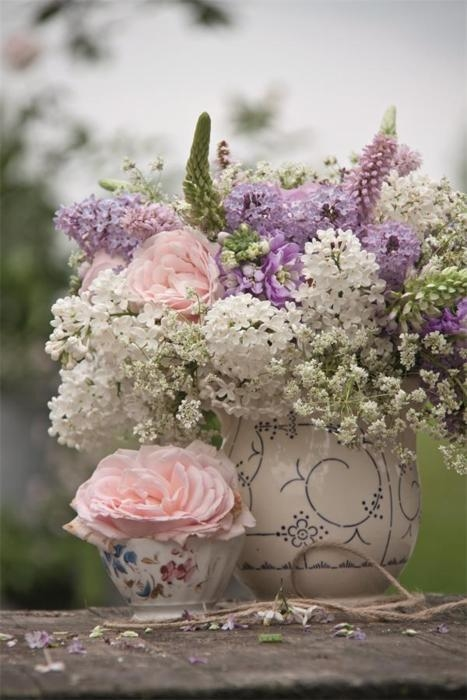 Roses and Lilacs - Wedding Flowers Ideas