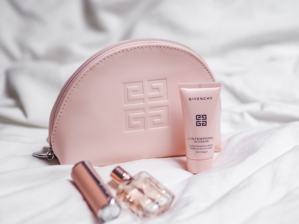 Do it Yourself Wedding Makeup - Touch up Bag